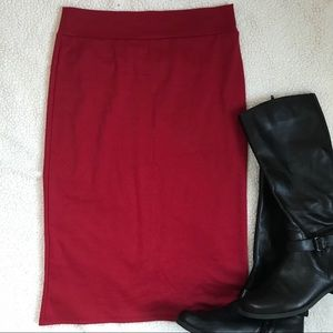 """Dresses & Skirts - Red Stretchy """"Azules"""" Pencil Skirt. Size M."""